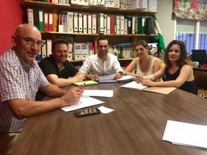 FOTO PSOE Los concejales socialistas estudian la bolsa de empleo 20170714